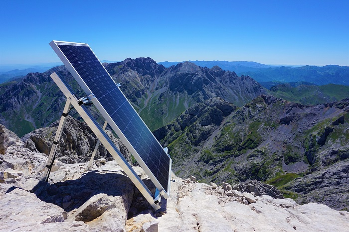 Solarne panely a slnko